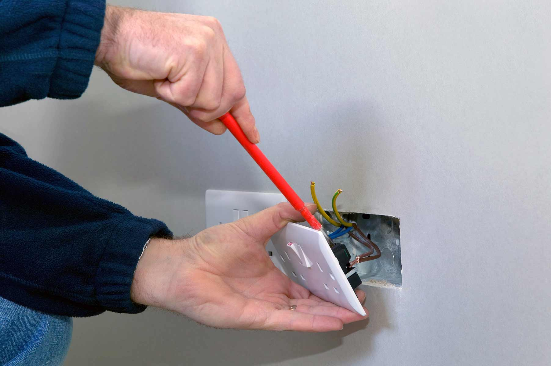 Our electricians can install plug sockets for domestic and commercial proeprties in Brentford and the local area.